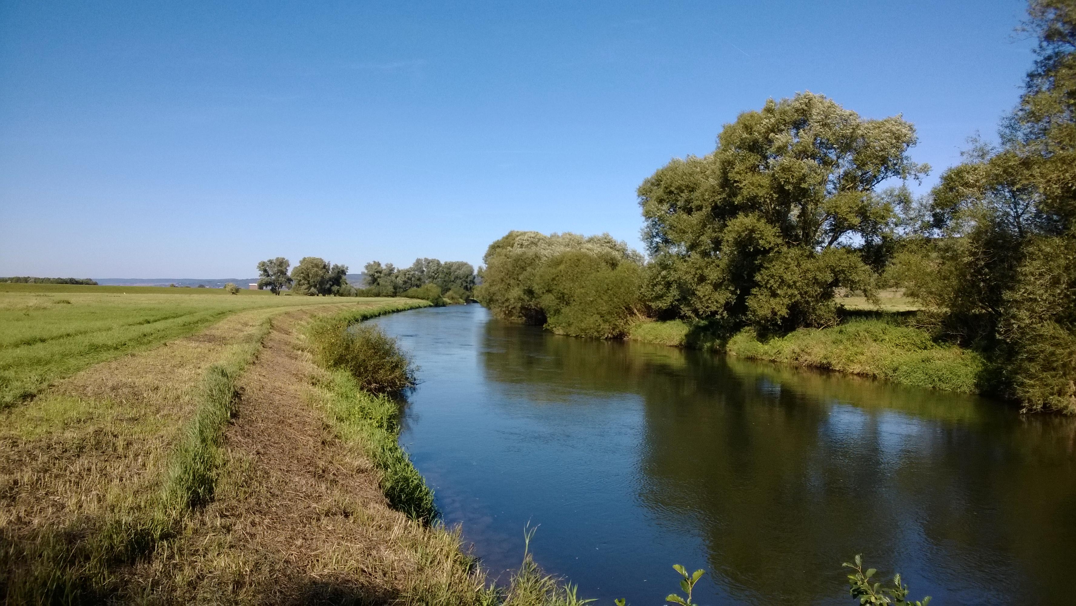 Ausgebaute Leine im Hochwasserrückhaltebecken (Höhe Drüber/Stöckheim)